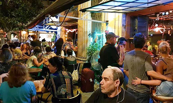 6 ארוחה זוגית טבעונית כולל קינוח בבר-מסעדה ALF, חיפה