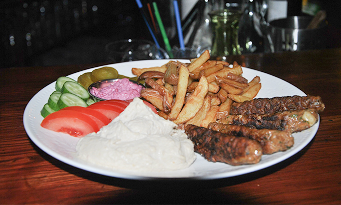 3 ארוחה זוגית טבעונית כולל קינוח בבר-מסעדה ALF, חיפה