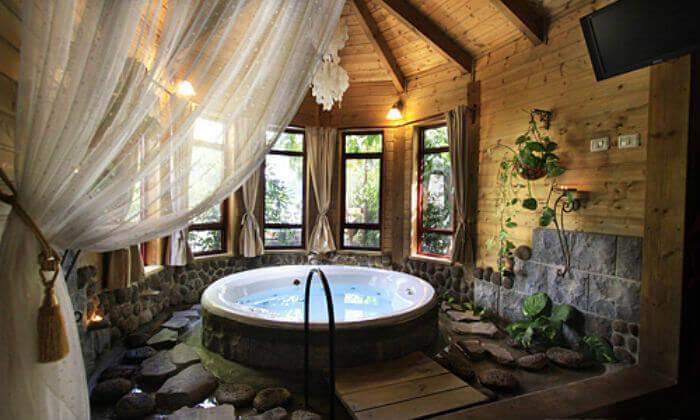 חופשה בבקתות עץ בסגנון הודי - מושב רמות