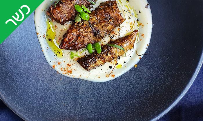 14 ארוחת שף זוגית עם פלטת בשרים ויין במסעדת המקדש הכשרה, כפר סבא