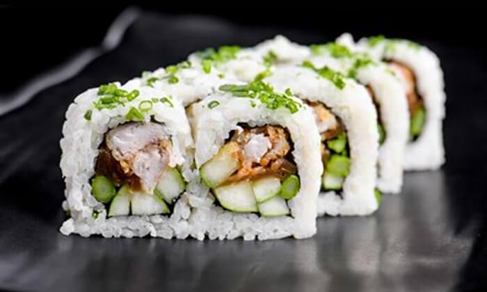 7 ארוחת סושי מהסושיה, בת ים