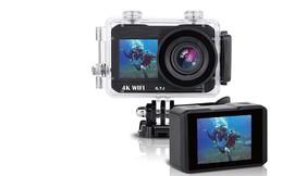 מצלמת וידאו 4K עם שני מסכים