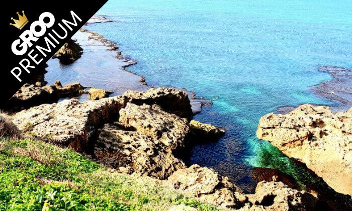 9 חופשה מפנקת ברצועת חוף לבנה ולגונות של מים צלולים