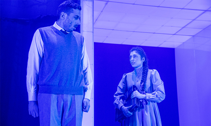 5 אביב מתעורר - כרטיס להצגה בתיאטרון הבימה, תל אביב