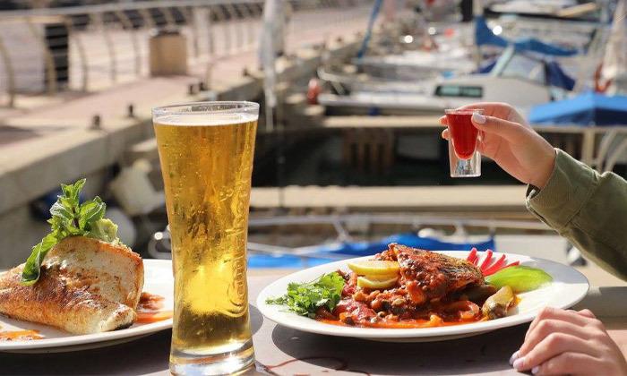 4 דיל ל-24 שעות: דרבי בר דגים במרינה הרצליה - ארוחה זוגית