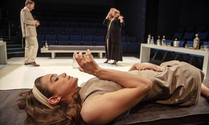"""7 המחזה """"מי מפחד מוירג'יניה וולף?"""" בתיאטרון הבימה ת""""א"""