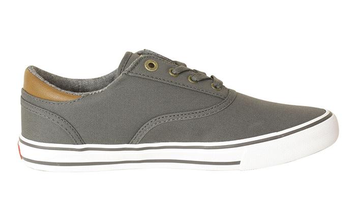 13 נעלי סניקרס לגברים ליוויס LEVI'S
