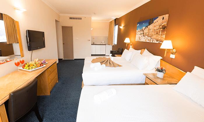 7 חופשה ירושלמית - מלון גני ירושלים וסיור בשוק מחנה יהודה התוסס