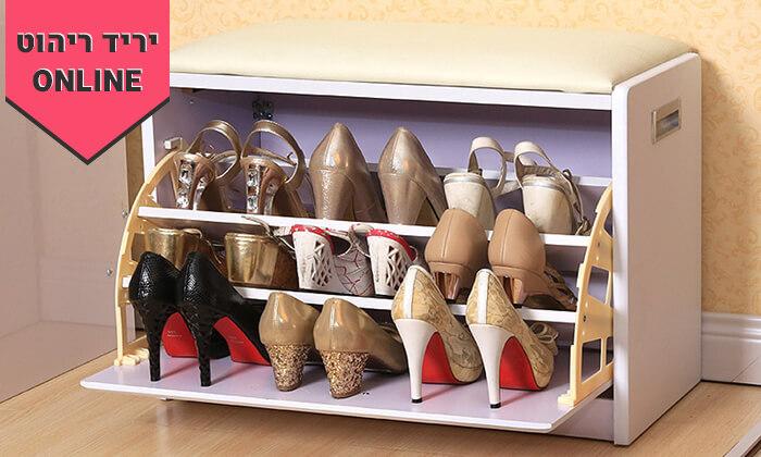 17 שידת התארגנות עם מקום לנעליים
