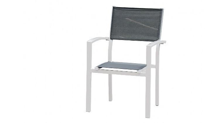 5 שולחןגינה נפתח וארבעה כיסאות תואמים