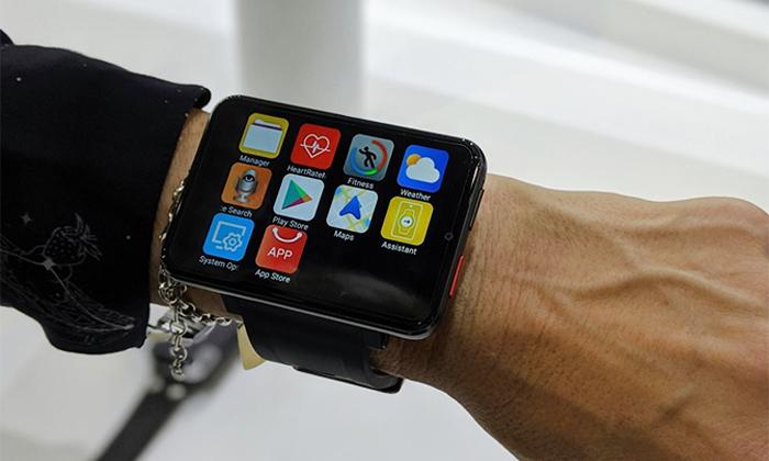4 שעון חכם עם טלפון עצמאי