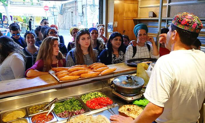 4 כרטיס טעימות בשווקים הססגוניים של ירושלים, עכו ותל אביב
