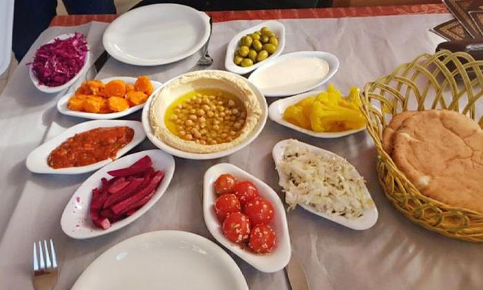 8 ארוחה זוגית במסעדת נוף הוואדי, עין חוד