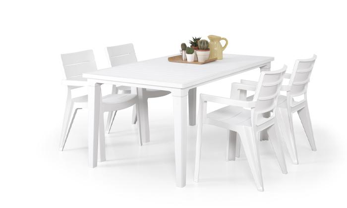 כתר: שולחן ושישה כיסאות לגינה