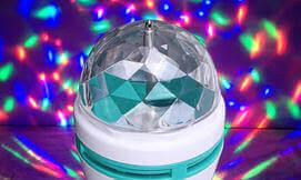 זוג מנורות צבעוניות מסתובבות