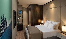 מלון גולדן קראון, כולל סופ