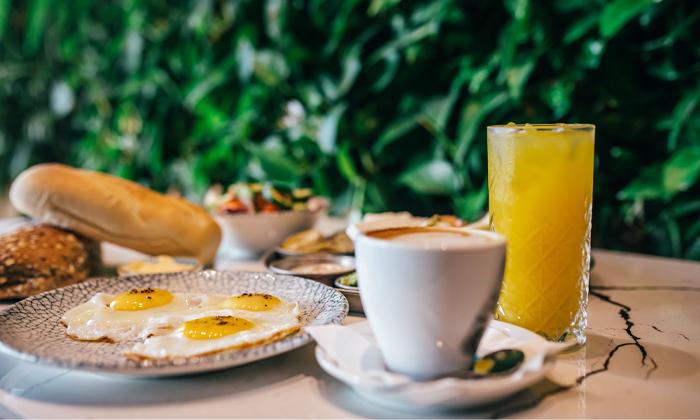 3 ארוחת בוקר זוגית במסעדת תלסהTALASSA, בת ים