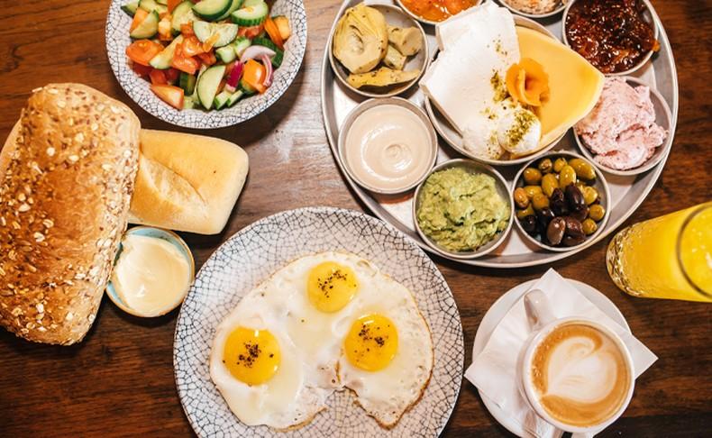 ארוחת בוקר זוגית במסעדת תלסה