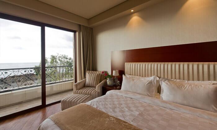 4 יולי-אוגוסט בבטומי - מלון עם פארק מים וחוף פרטי