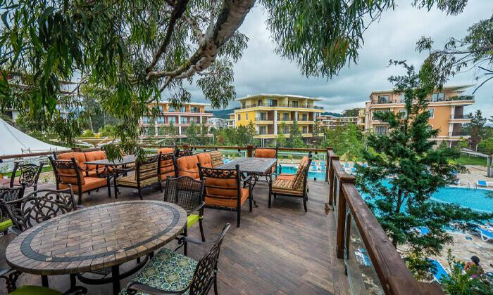 5 יולי-אוגוסט בבטומי - מלון עם פארק מים וחוף פרטי