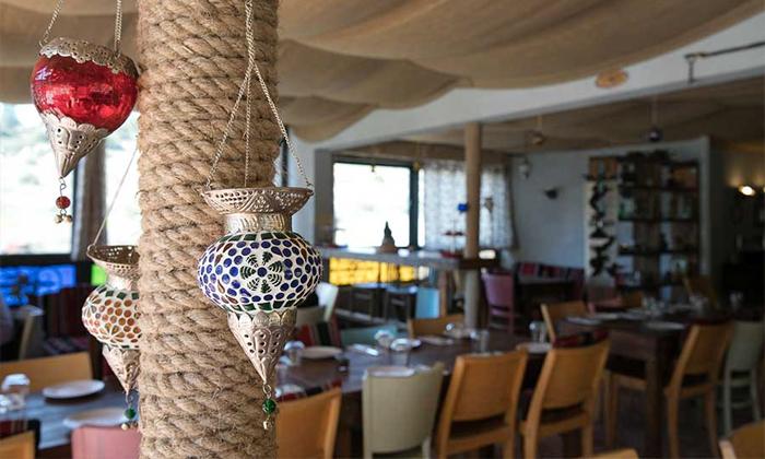 6 ארוחה זוגית במסעדת רשטא, עין ראפה