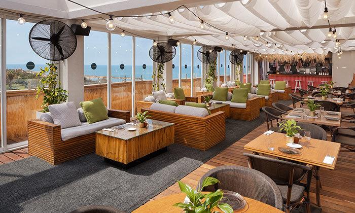 8 ארוחת בוקר ב-Ciela Rooftop Lounge מלון אלכסנדר, תל אביב