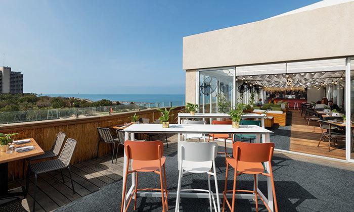 2 ארוחת בוקר ב-Ciela Rooftop Lounge מלון אלכסנדר, תל אביב