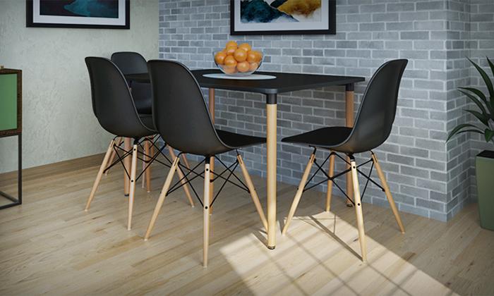 12 פינת אוכל עם ארבעה כיסאות