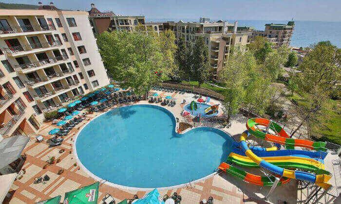 3 קיץ הכול כלול בוורנה - מלון מומלץ עם פארק מים