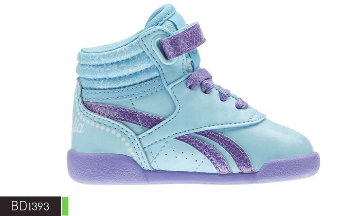 9 נעלי תינוקות Adidas ו-Reebok
