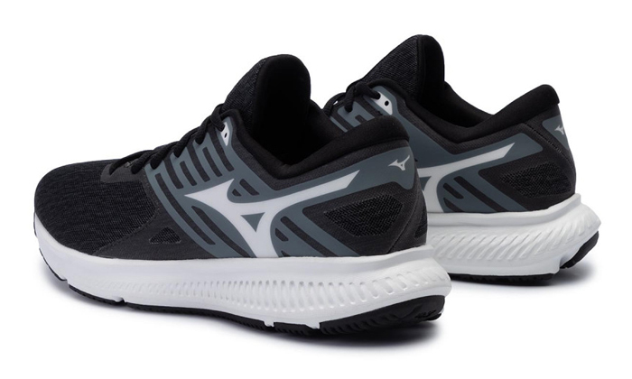 4 נעלי ריצה לגברים מיזונו Mizuno