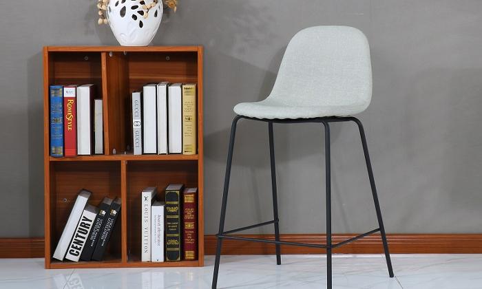 7 כיסא בר בריפוד דמוי עור