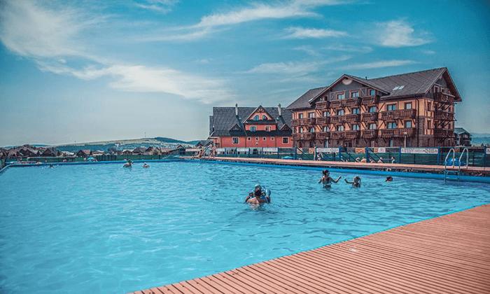 2 יולי-אוגוסט למשפחות בהרי הטטרה - מלון עם פארק מתנפחים במים