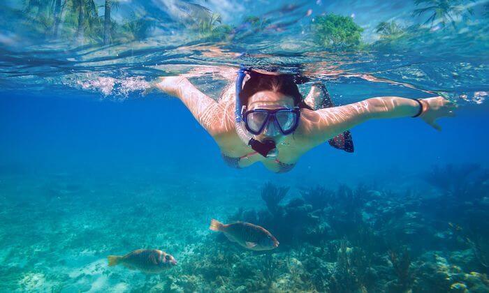 2 אטלנטיס ספורט ימי - עושים שנורקל באילת