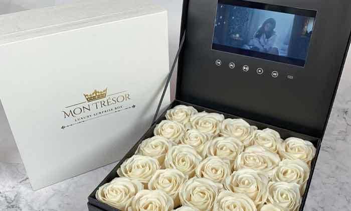 6 מארז מתנה יוקרתי LCD Box עם סרטון וידאו וורדי משי של MON TRESOR