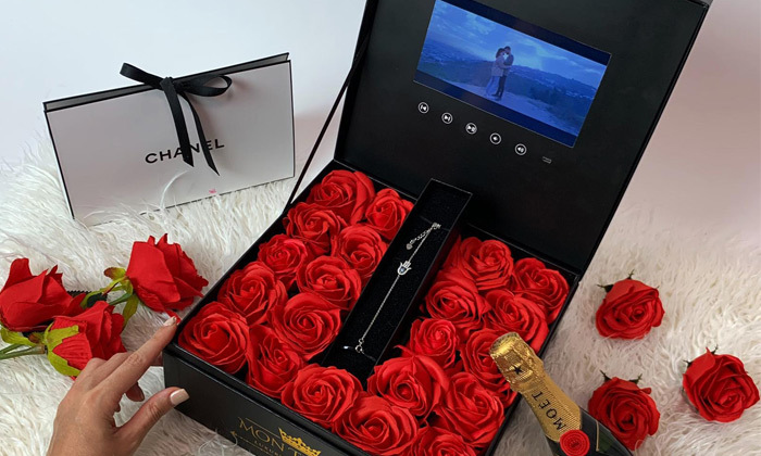 9 מארז מתנה יוקרתי LCD Box עם סרטון וידאו וורדי משי של MON TRESOR