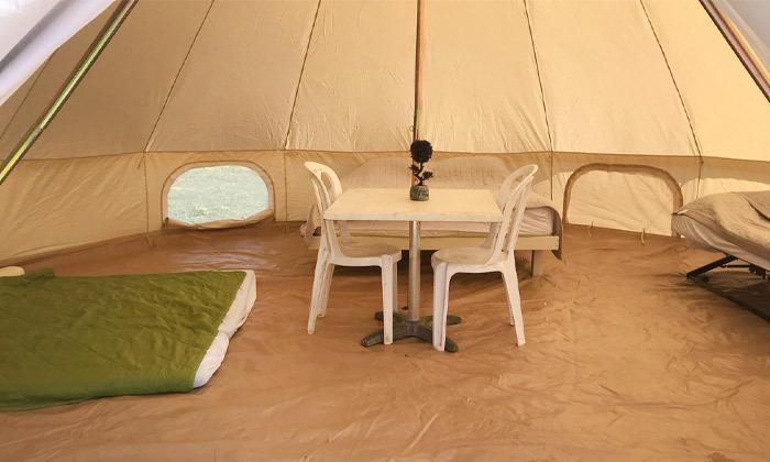 4 לינה באוהל משפחתי ממוזג עם ארוחת בוקר - מתחם הקראוונים חוף בצת