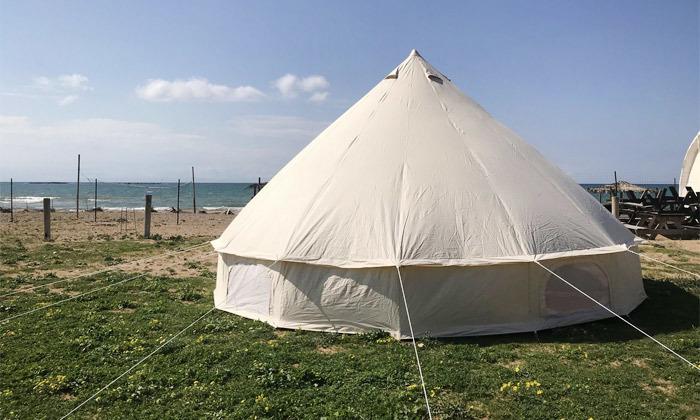 5 לינה באוהל משפחתי ממוזג עם ארוחת בוקר - מתחם הקראוונים חוף בצת