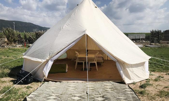 7 לינה באוהל משפחתי ממוזג עם ארוחת בוקר - מתחם הקראוונים חוף בצת