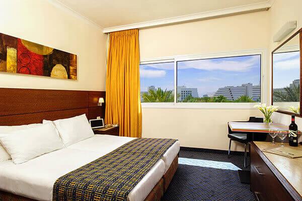 """3 חופשת קיץ משפחתית באילת במלון קיסר, כולל סופ""""ש"""