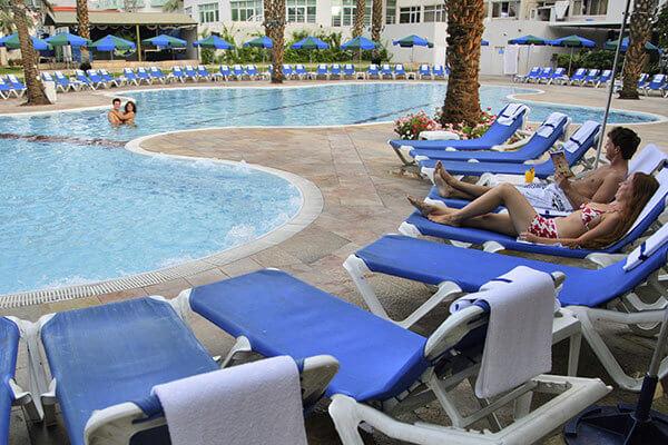 """4 חופשת קיץ משפחתית באילת במלון קיסר, כולל סופ""""ש"""
