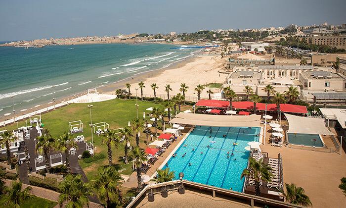 """2 חופשה על רצועת חוף יפהפייה - מלון חוף התמרים בעכו, כולל סופ""""ש"""