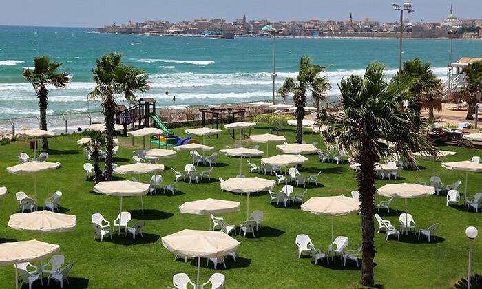 """9 חופשה על רצועת חוף יפהפייה - מלון חוף התמרים בעכו, כולל סופ""""ש"""