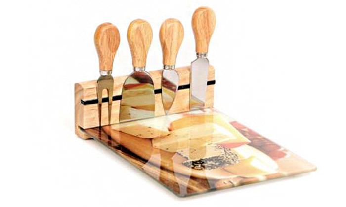 4 מארז מעוצב לחיתוך והגשת גבינות