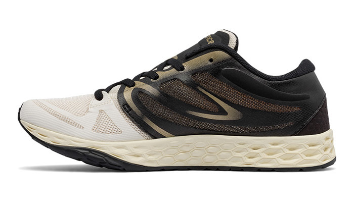 4 נעלי אימון לנשים ניו באלאנס New Balance דגם WX822