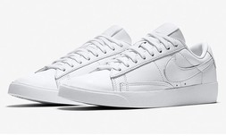 נעלי סניקרס NIKE לנשים