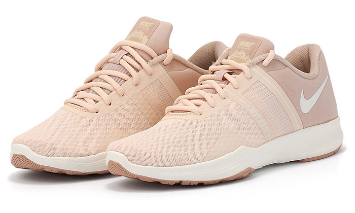 8 נעלי נשים נייקי NIKE