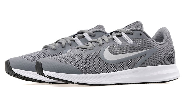 12 נעלי ריצה לנשים ונוער נייק NIKE Downshifter