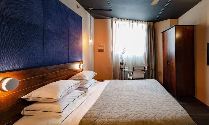 """6 חופשה משפחתית במלון פורט אנד בלו port and blue בנמל ת""""א"""