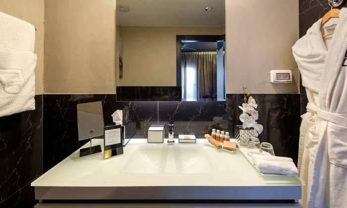 """7 חופשה משפחתית במלון פורט אנד בלו port and blue בנמל ת""""א"""